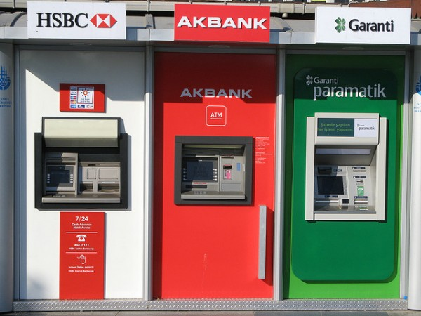 ATM machines , ©~FLO/Flickr