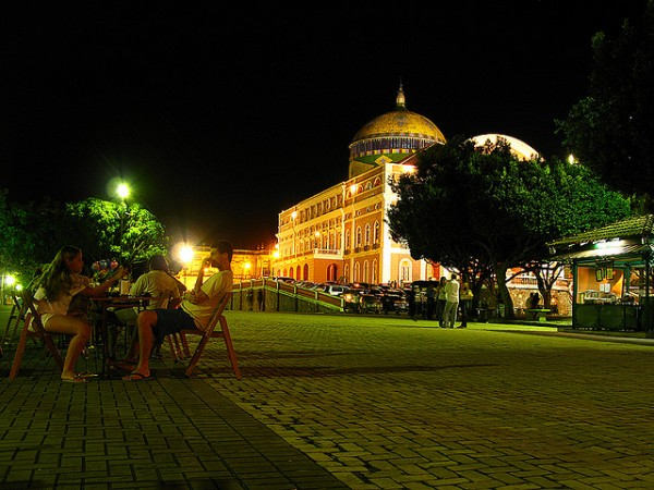 Manaus by night, ©Gabriel Scapin/Flickr